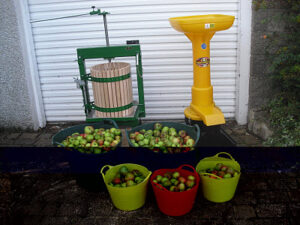 St Andrews Orchard Group Apple Press